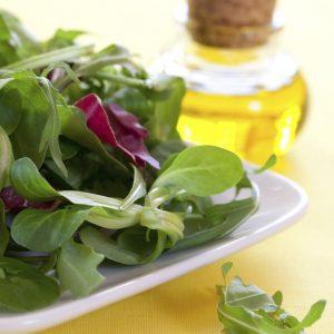 Feldsalat mit Öl