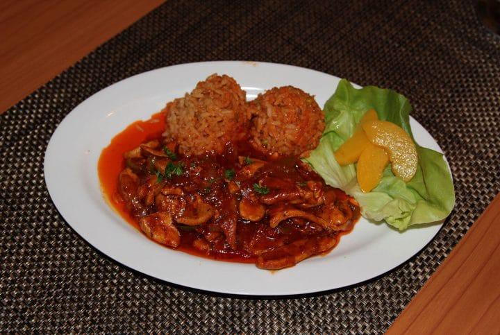 Bekri Meze – Geschnetzeltes in Curry-Tomatensoße