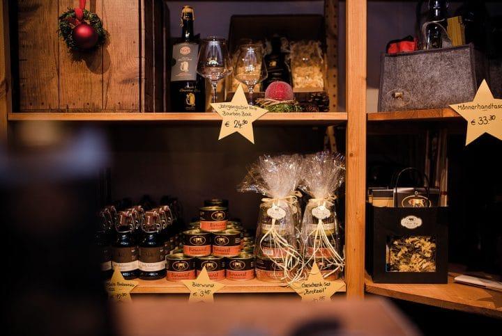 Gold Ochsen Stand auf dem Ulmer Weihnachtsmarkt
