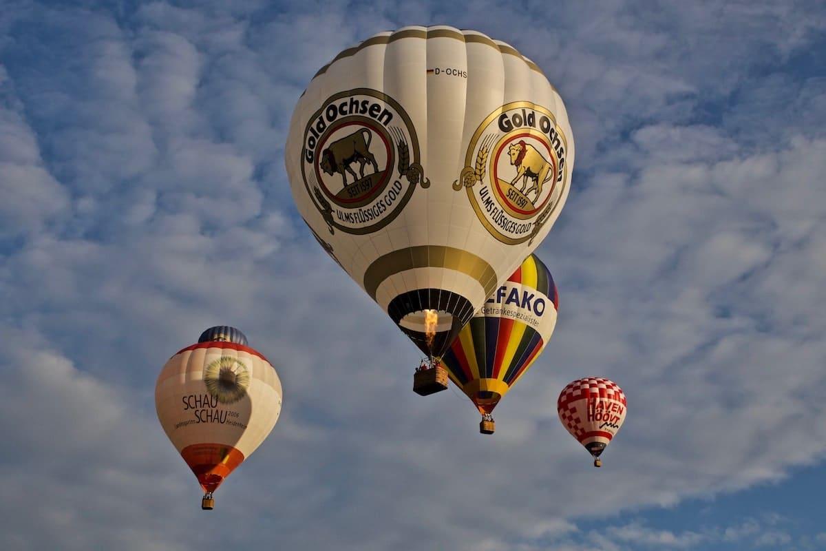 Ballone in der Luft